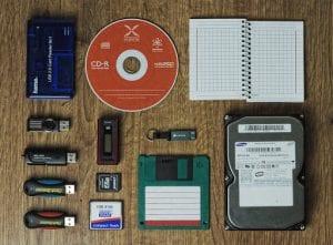 USB, hard drive chips, cd-rom on a desktop