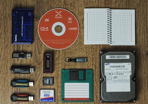 USB, hard drive chips, cd-rom on a desktop